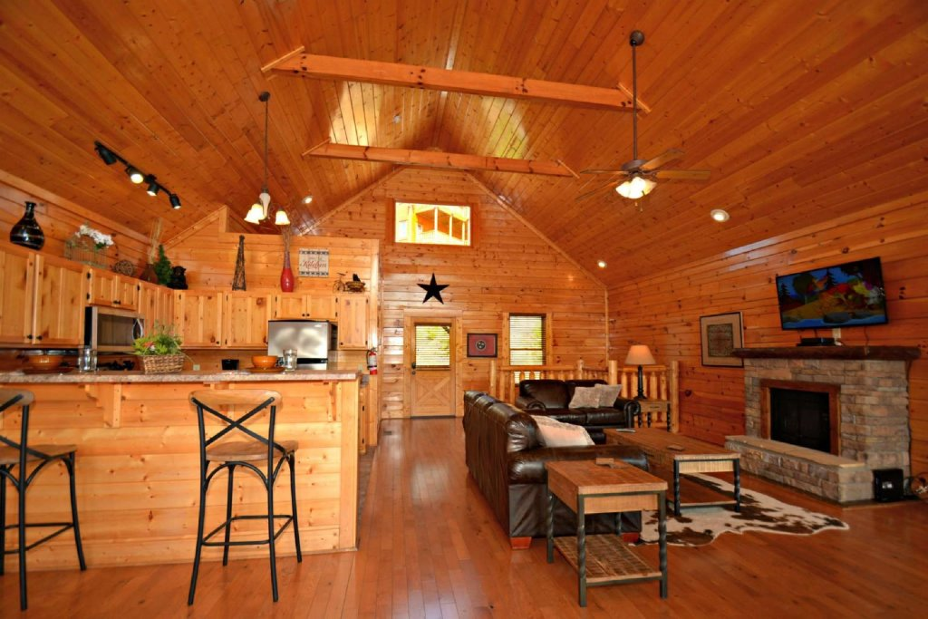 Photo of a Pigeon Forge Cabin named View Of Paradise - This is the fourteenth photo in the set.