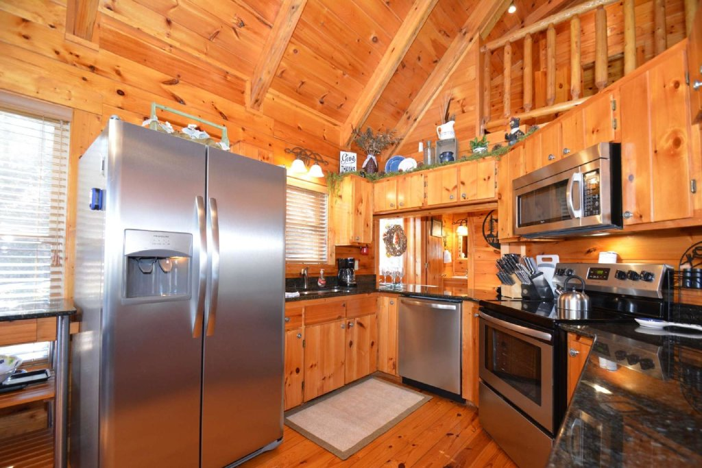 Photo of a Sevierville Cabin named Hidden Haven - This is the sixteenth photo in the set.