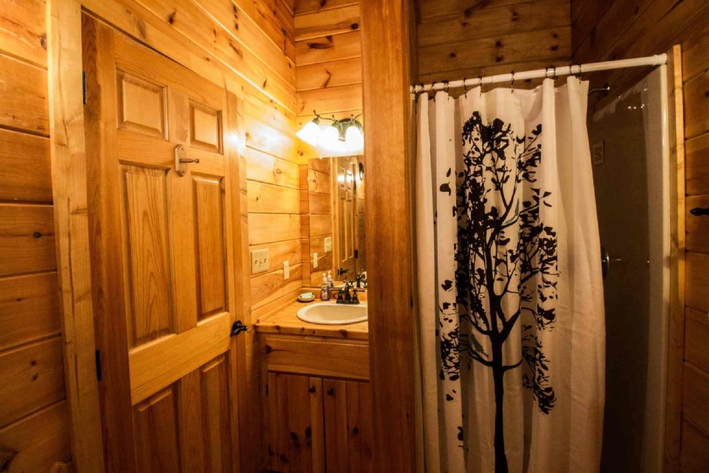 Photo of a Pigeon Forge Cabin named Kick Back Shack - This is the eleventh photo in the set.