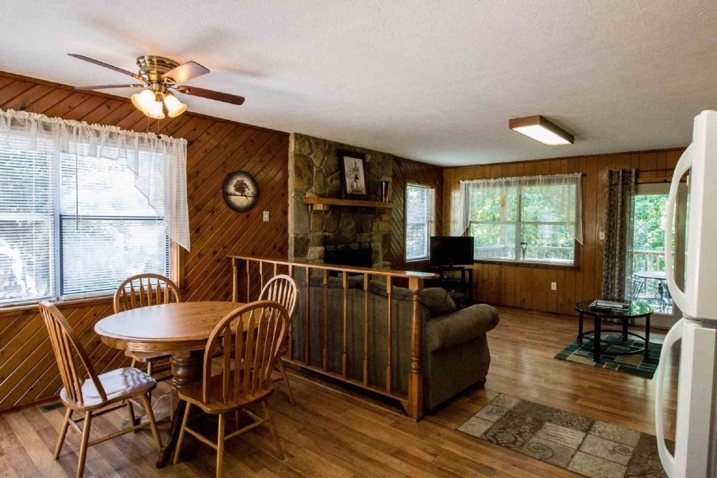 Photo of a Gatlinburg Cabin named Crestview Chalet #1 - This is the seventh photo in the set.