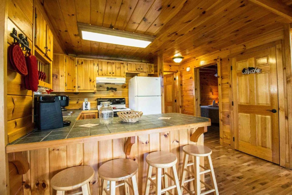 Photo of a Pigeon Forge Cabin named Kick Back Shack - This is the fourth photo in the set.