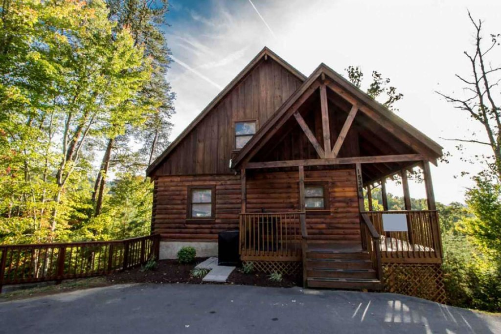 Photo of a Pigeon Forge Cabin named Kick Back Shack - This is the nineteenth photo in the set.