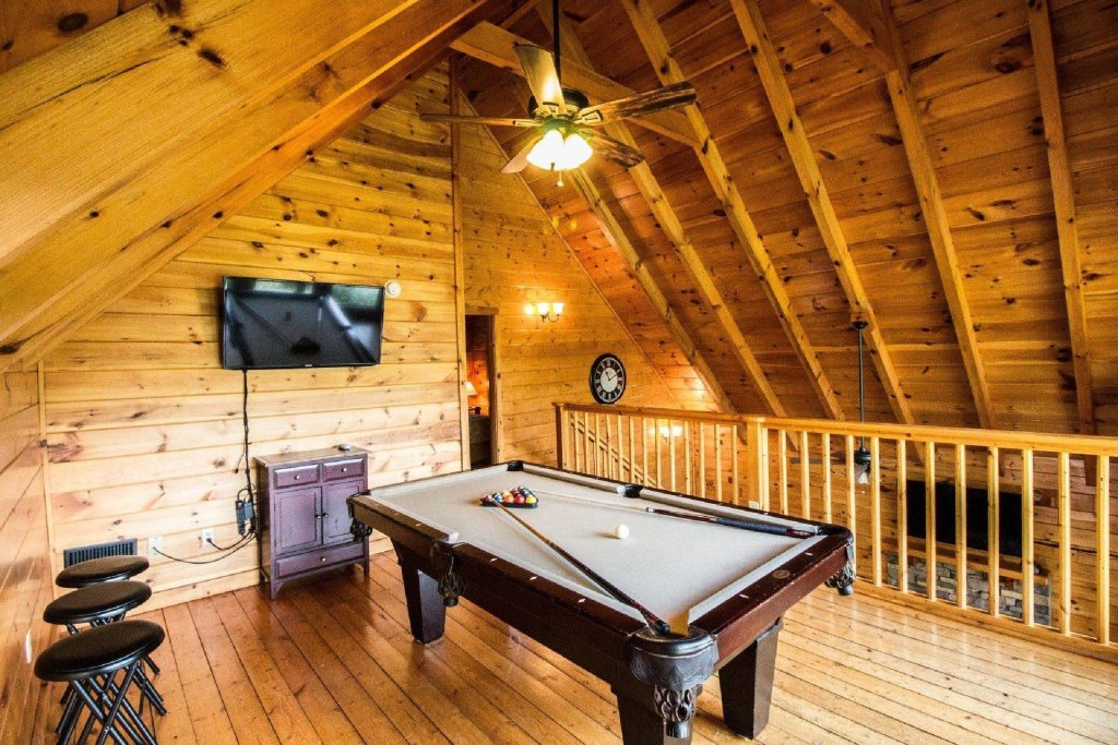 Photo of a Pigeon Forge Cabin named Kick Back Shack - This is the twentieth photo in the set.