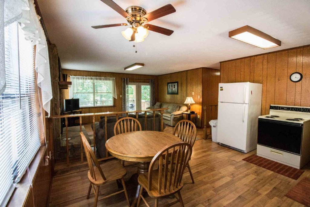 Photo of a Gatlinburg Cabin named Crestview Chalet #1 - This is the fifth photo in the set.