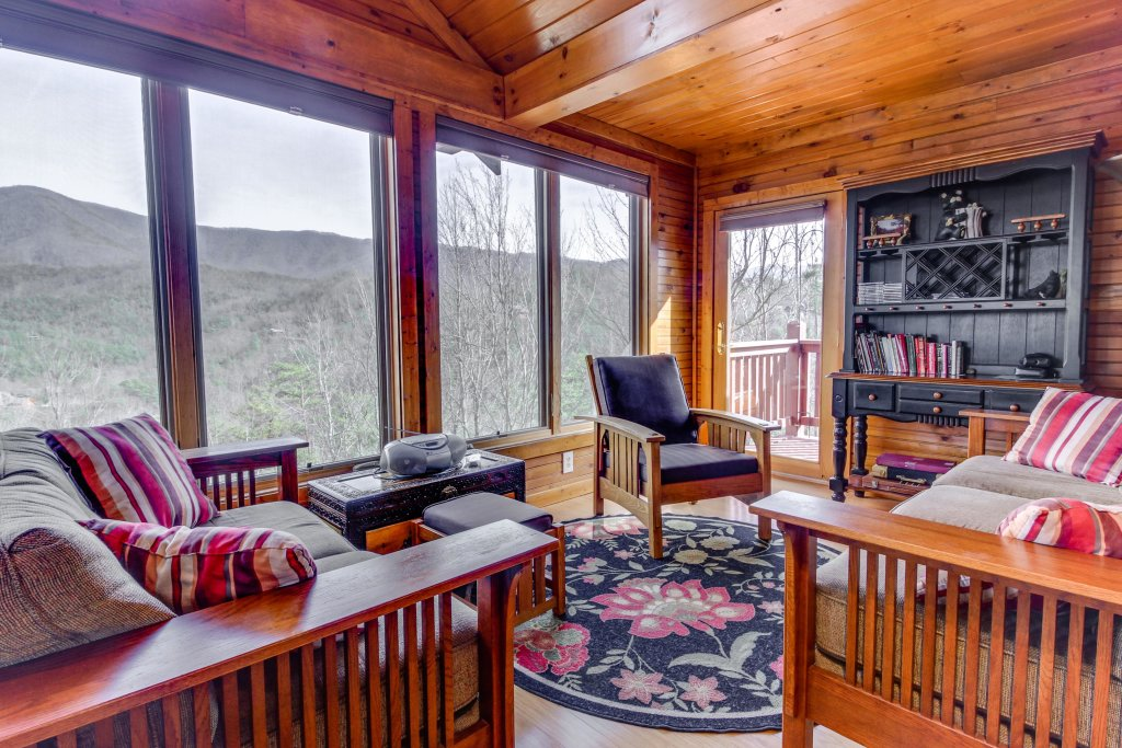 Photo of a Sevierville Cabin named Arthur's Retreat Cabin - This is the eighth photo in the set.