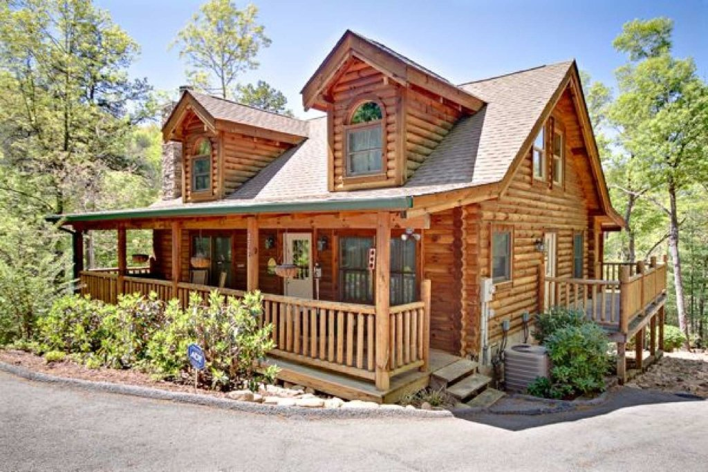 Photo of a Pigeon Forge Cabin named Haley's Hideaway Homestead - This is the tenth photo in the set.