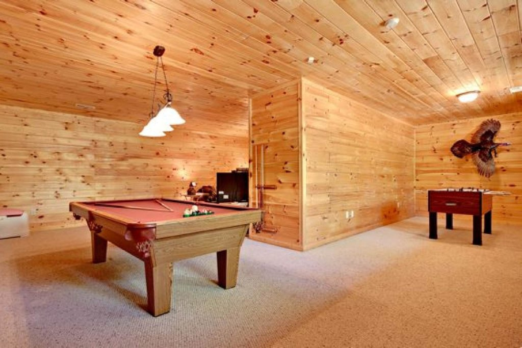 Photo of a Pigeon Forge Cabin named Haley's Hideaway Homestead - This is the fourteenth photo in the set.