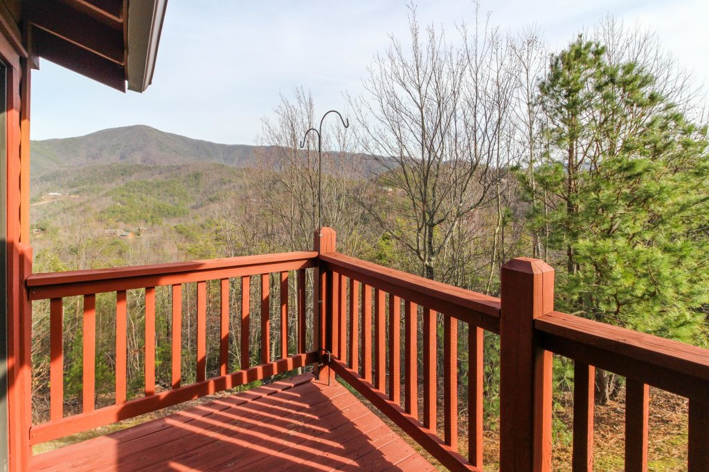 Photo of a Sevierville Cabin named Arthur's Retreat Cabin - This is the twenty-ninth photo in the set.