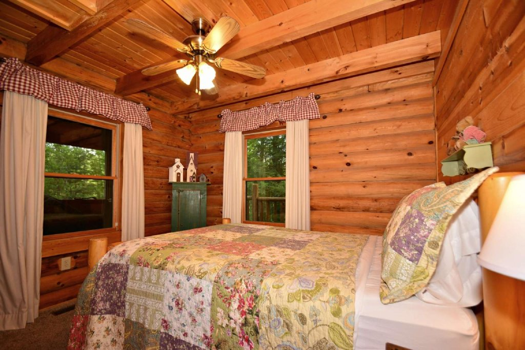Photo of a Pigeon Forge Cabin named Haley's Hideaway Homestead - This is the first photo in the set.