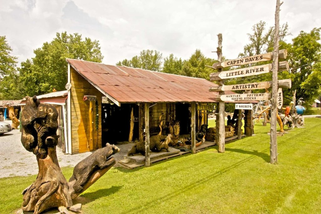 Photo of a Pigeon Forge Cabin named Haley's Hideaway Homestead - This is the thirty-fourth photo in the set.
