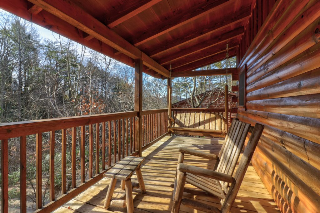 Photo of a Pigeon Forge Cabin named Thunder Bear Hideaway - This is the first photo in the set.