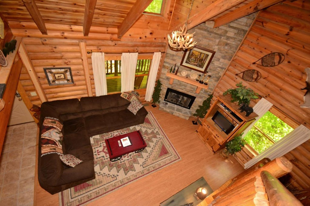 Photo of a Pigeon Forge Cabin named Haley's Hideaway Homestead - This is the eighth photo in the set.