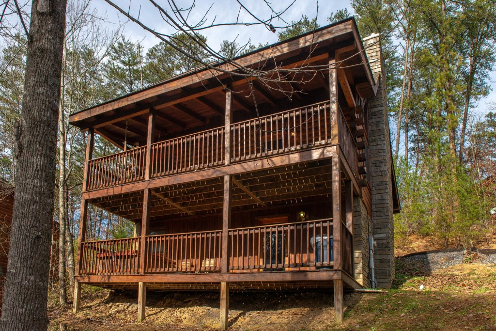 Photo of a Pigeon Forge Cabin named Thunder Bear Hideaway - This is the twenty-third photo in the set.
