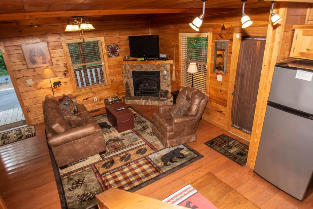 Photo of a Gatlinburg Cabin named Too Cozy - This is the eighteenth photo in the set.
