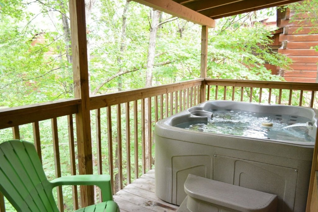 Photo of a Pigeon Forge Cabin named Dances With Wolves - This is the eighteenth photo in the set.