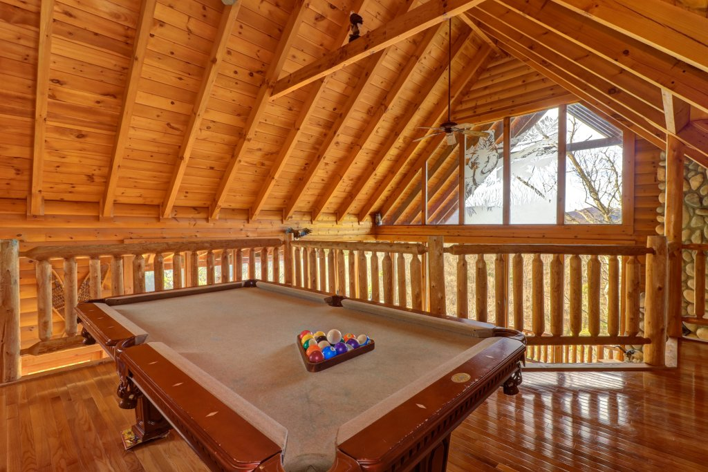 Photo of a Pigeon Forge Cabin named Kodiak #45 - This is the sixth photo in the set.