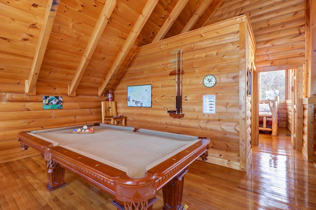 Photo of a Pigeon Forge Cabin named Kodiak #45 - This is the seventh photo in the set.