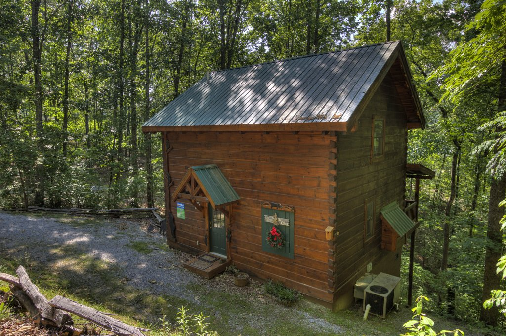 Photo of a Pigeon Forge Cabin named Smoky Mountain Memories #107 - This is the ninth photo in the set.