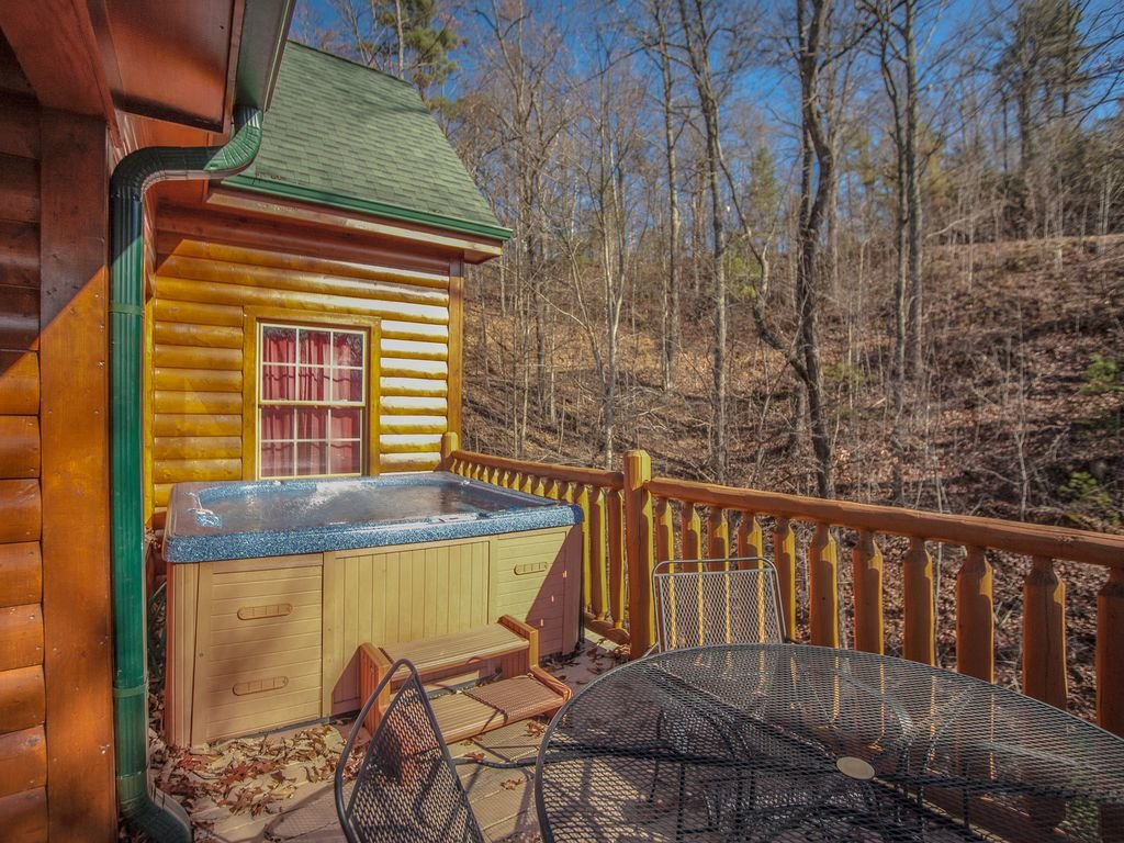 Photo of a Gatlinburg Cabin named Sugar Bear Retreat - This is the twentieth photo in the set.