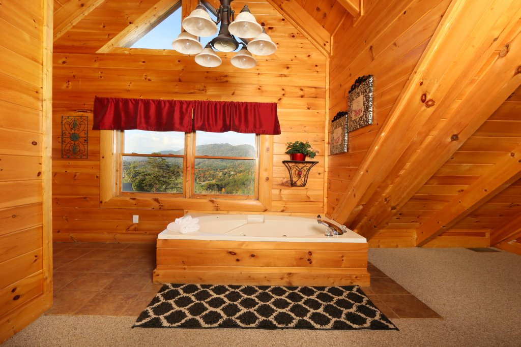 Photo of a Pigeon Forge Cabin named Better View - This is the fourteenth photo in the set.