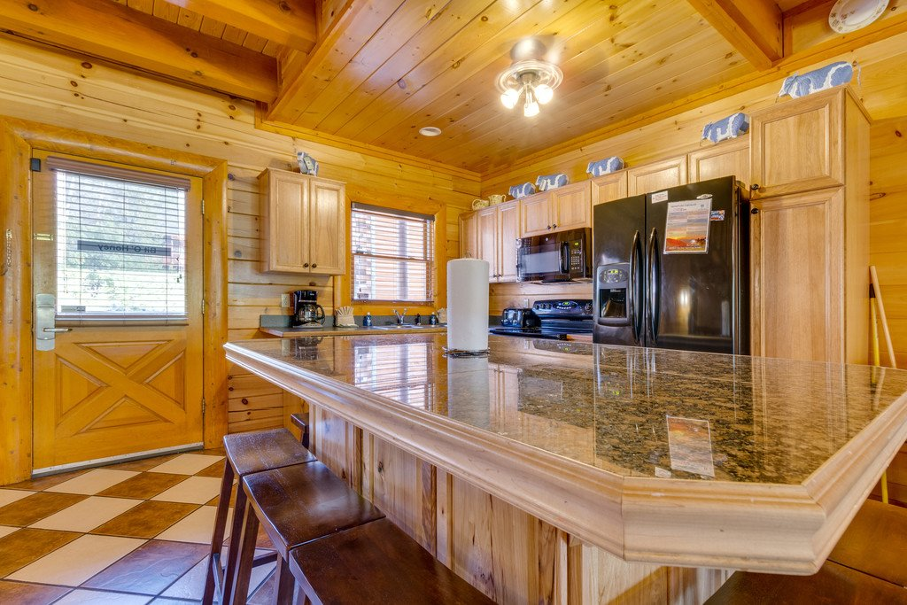 Photo of a Pigeon Forge Cabin named Bit O'honey - This is the ninth photo in the set.