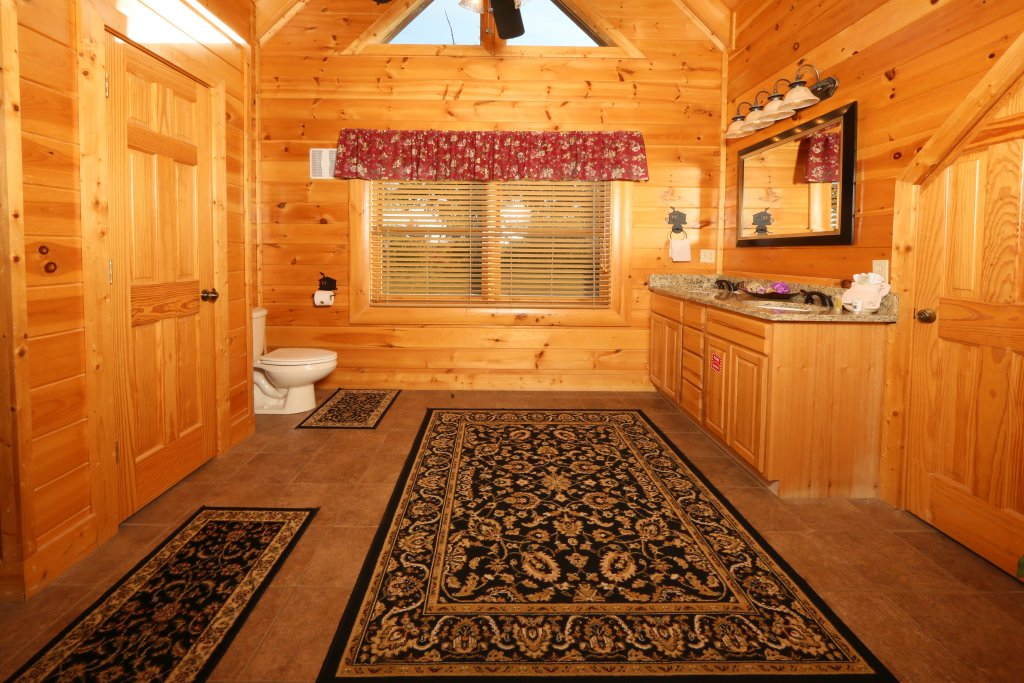 Photo of a Pigeon Forge Cabin named Better View - This is the fifteenth photo in the set.