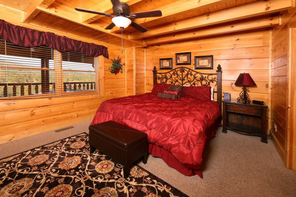 Photo of a Pigeon Forge Cabin named Better View - This is the eighteenth photo in the set.