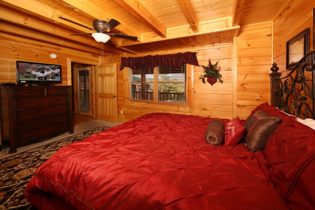 Photo of a Pigeon Forge Cabin named Better View - This is the seventeenth photo in the set.