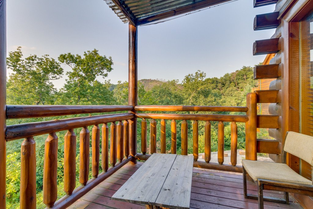 Photo of a Pigeon Forge Cabin named Bit O'honey - This is the twenty-sixth photo in the set.