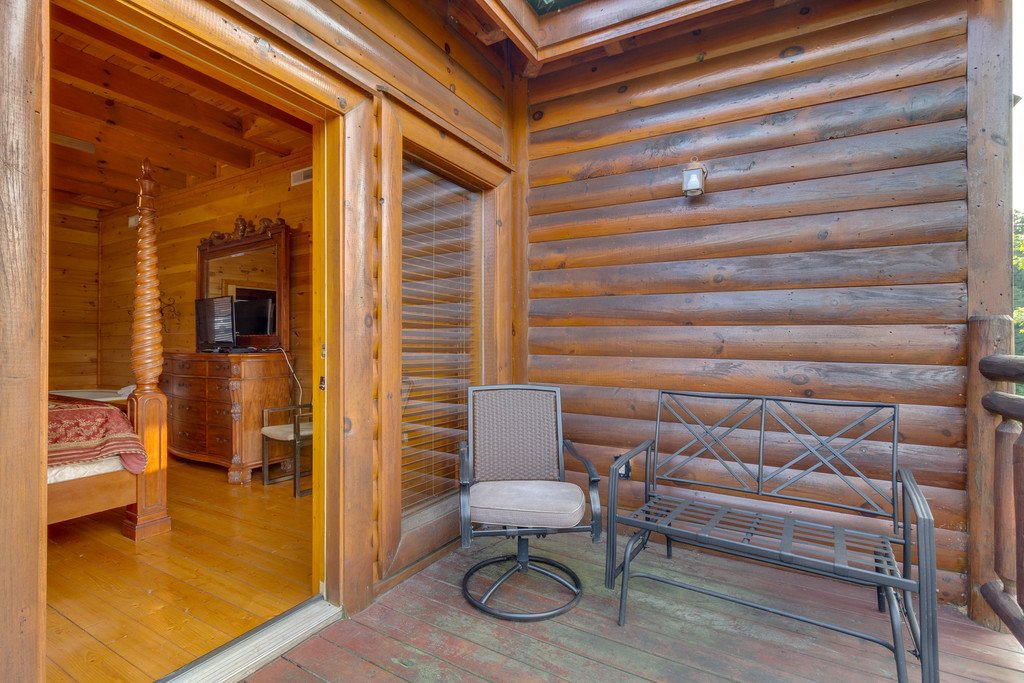 Photo of a Pigeon Forge Cabin named Bit O'honey - This is the forty-second photo in the set.