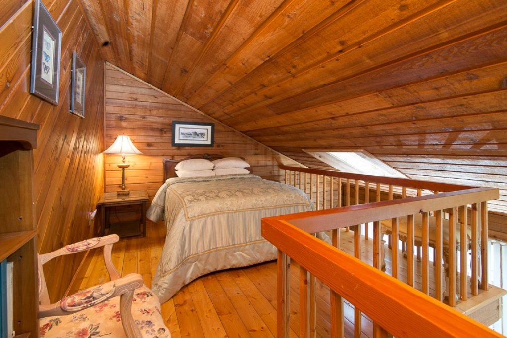 Photo of a Sevierville Cabin named Von Bryan Estate - This is the thirty-second photo in the set.