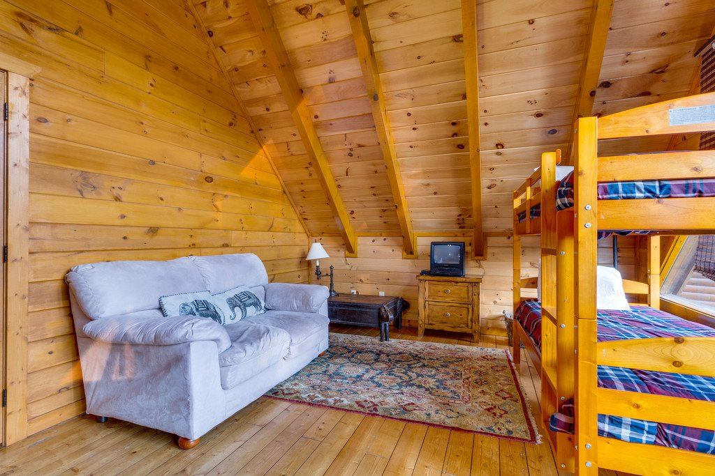 Photo of a Pigeon Forge Cabin named Bit O'honey - This is the fifty-fifth photo in the set.
