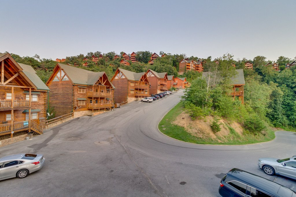 Photo of a Pigeon Forge Cabin named Bit O'honey - This is the sixty-second photo in the set.