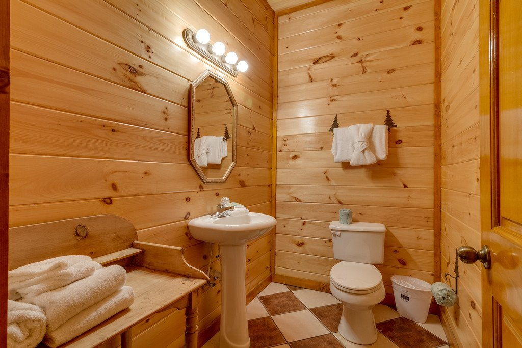 Photo of a Pigeon Forge Cabin named Bit O'honey - This is the seventy-ninth photo in the set.