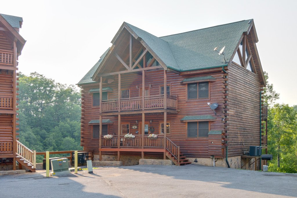 Photo of a Pigeon Forge Cabin named Bit O'honey - This is the eighty-second photo in the set.