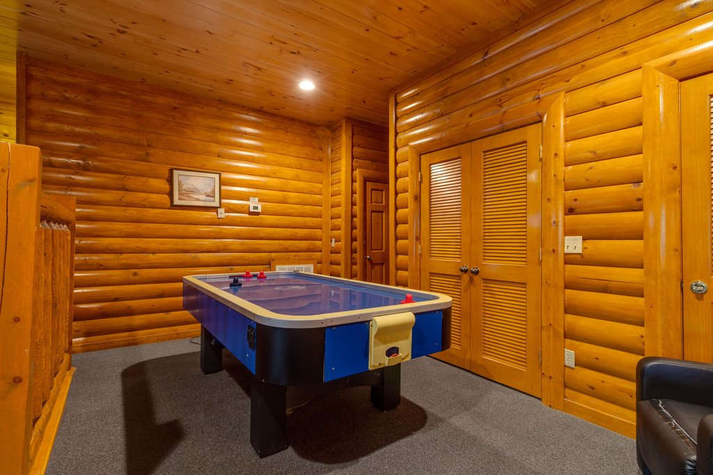Photo of a Pigeon Forge Cabin named Bit O'honey - This is the sixty-eighth photo in the set.