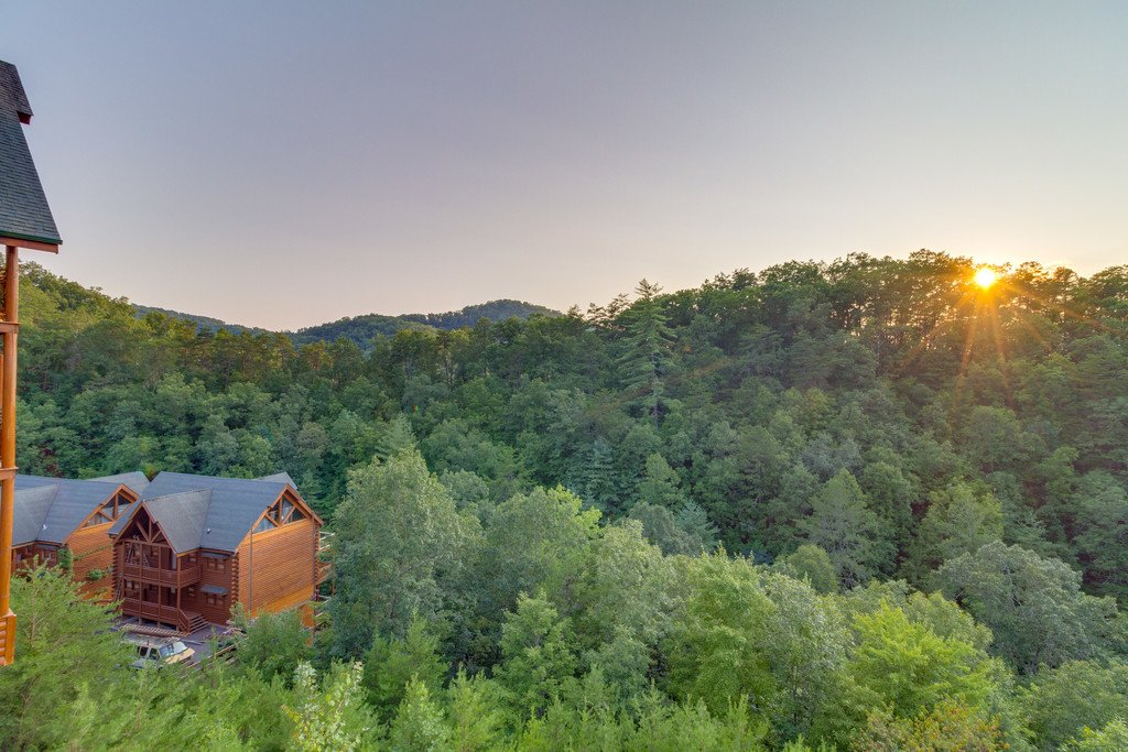 Photo of a Pigeon Forge Cabin named Bit O'honey - This is the fifty-second photo in the set.