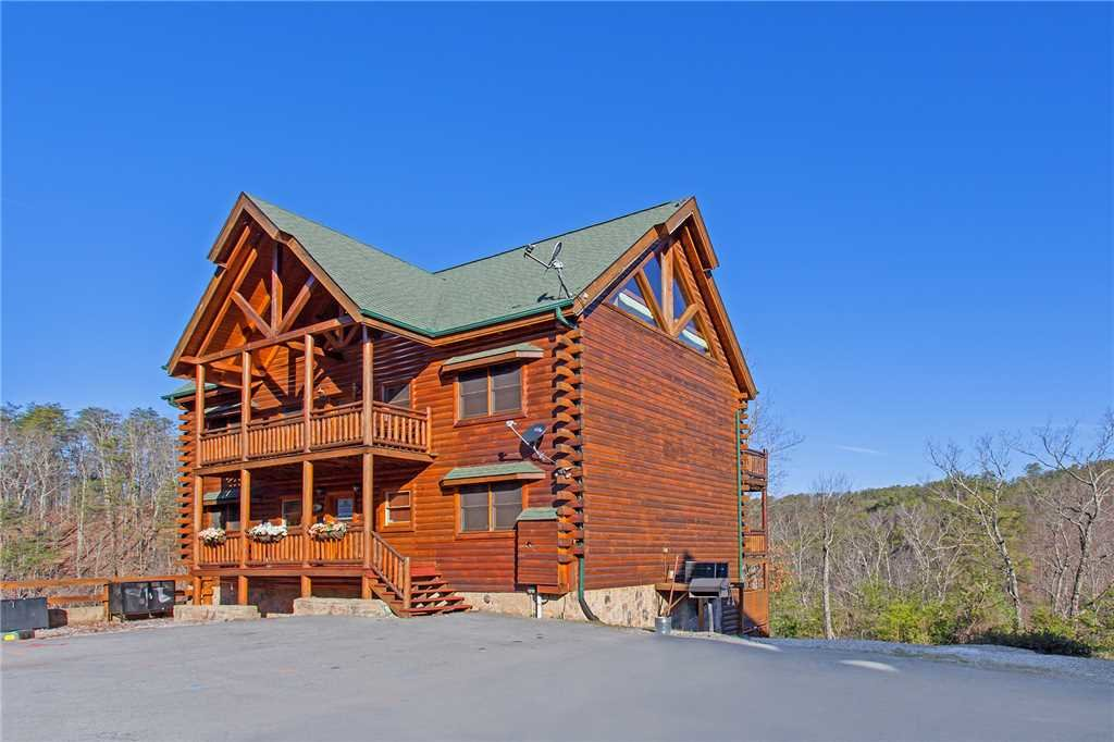 Photo of a Pigeon Forge Cabin named Bit O'honey - This is the eighty-third photo in the set.