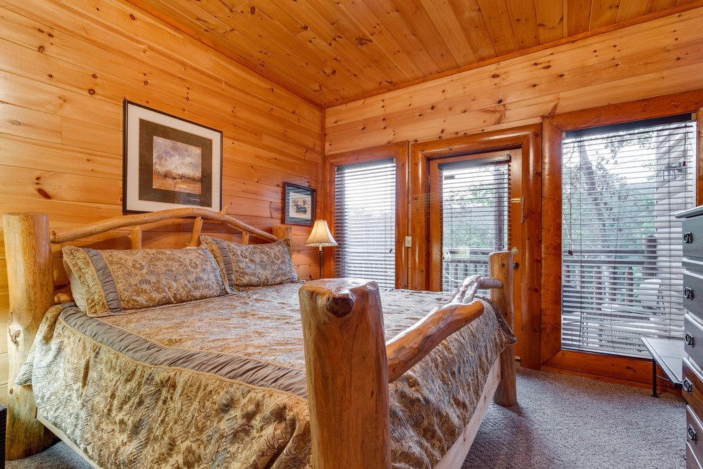 Photo of a Pigeon Forge Cabin named Bit O'honey - This is the seventieth photo in the set.