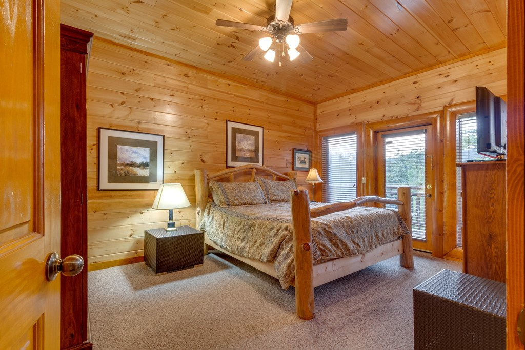 Photo of a Pigeon Forge Cabin named Bit O'honey - This is the sixty-ninth photo in the set.