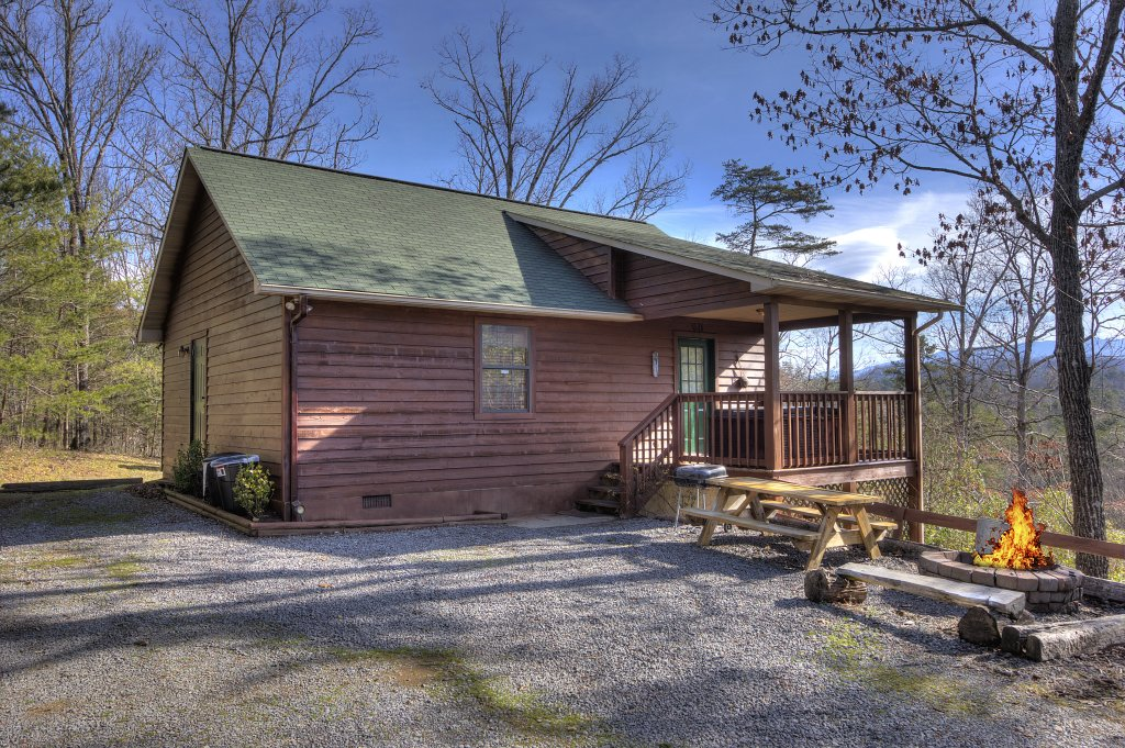Photo of a Sevierville Cabin named I Love View #136 - This is the first photo in the set.