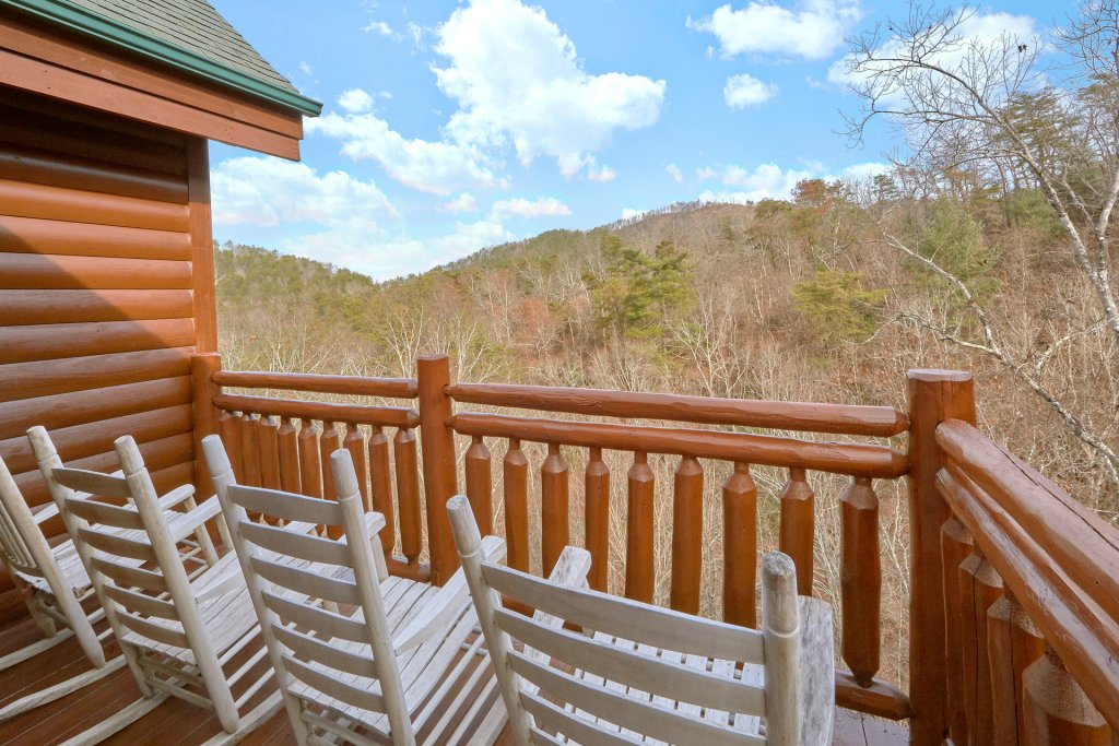 Photo of a Sevierville Cabin named Movie Room Retreat - This is the fourth photo in the set.