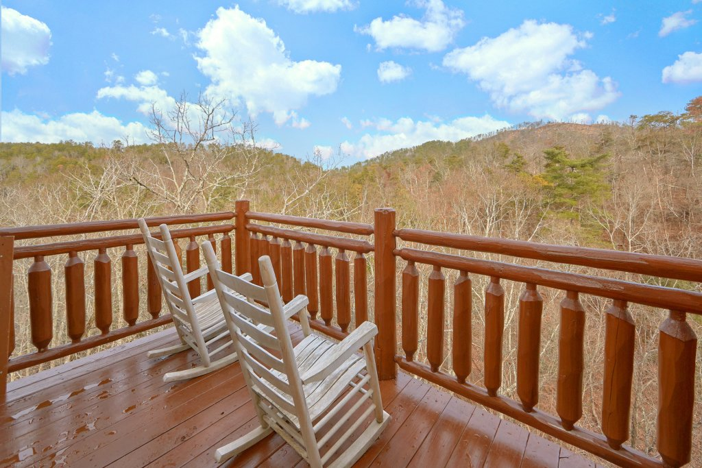Photo of a Sevierville Cabin named Movie Room Retreat - This is the fifth photo in the set.