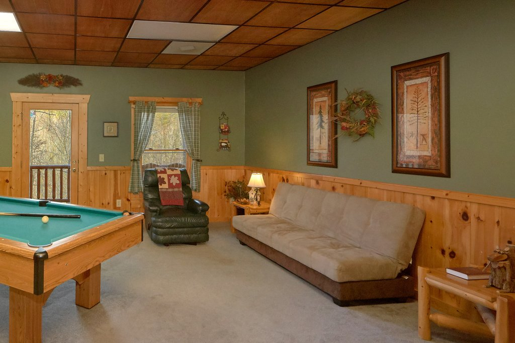 Photo of a Gatlinburg Cabin named Hanky Panky - This is the sixth photo in the set.