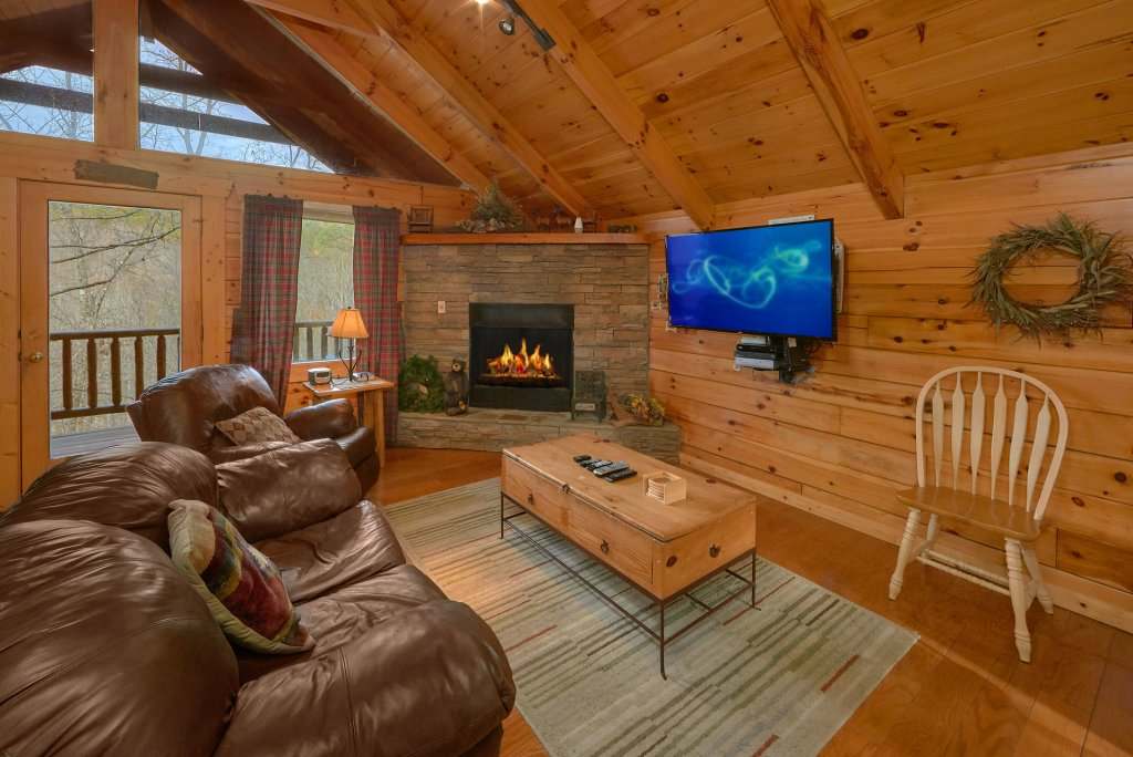 Photo of a Gatlinburg Cabin named Hanky Panky - This is the eighth photo in the set.