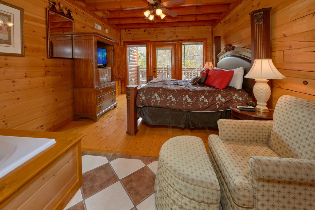 Photo of a Sevierville Cabin named Movie Room Retreat - This is the seventeenth photo in the set.