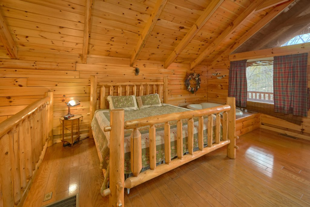 Photo of a Gatlinburg Cabin named Hanky Panky - This is the twelfth photo in the set.