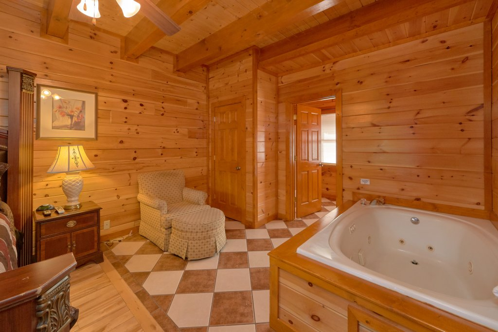Photo of a Sevierville Cabin named Movie Room Retreat - This is the twenty-first photo in the set.