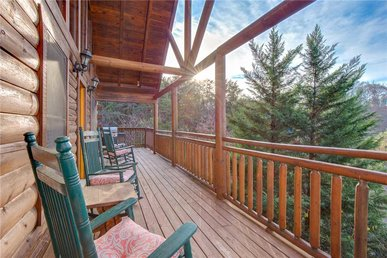 Arrowhead Lodge, 3 Bedrooms, Pet Friendly, Pool Access, Wifi, Sleeps 10