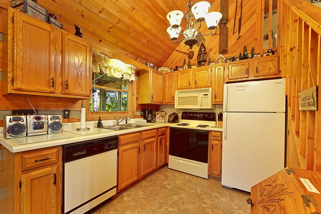 Photo of a Sevierville Cabin named At Wild Turkey #122 - This is the fourth photo in the set.